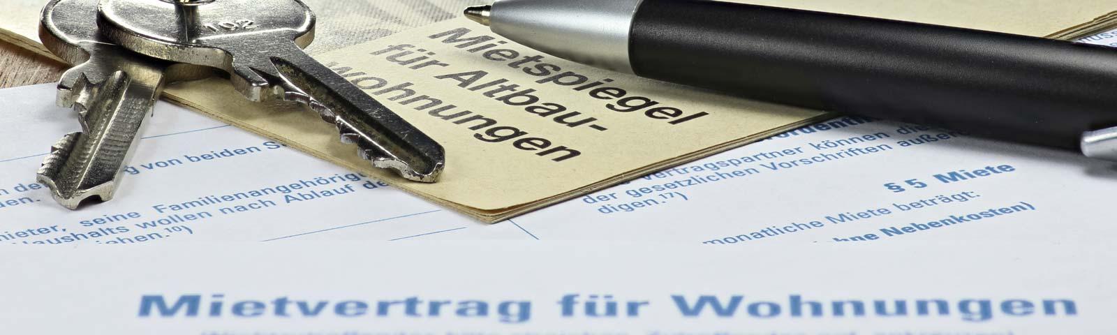 Ein Mietvertrag mit Kuli und Wohnungsschlüssel - Mietrecht