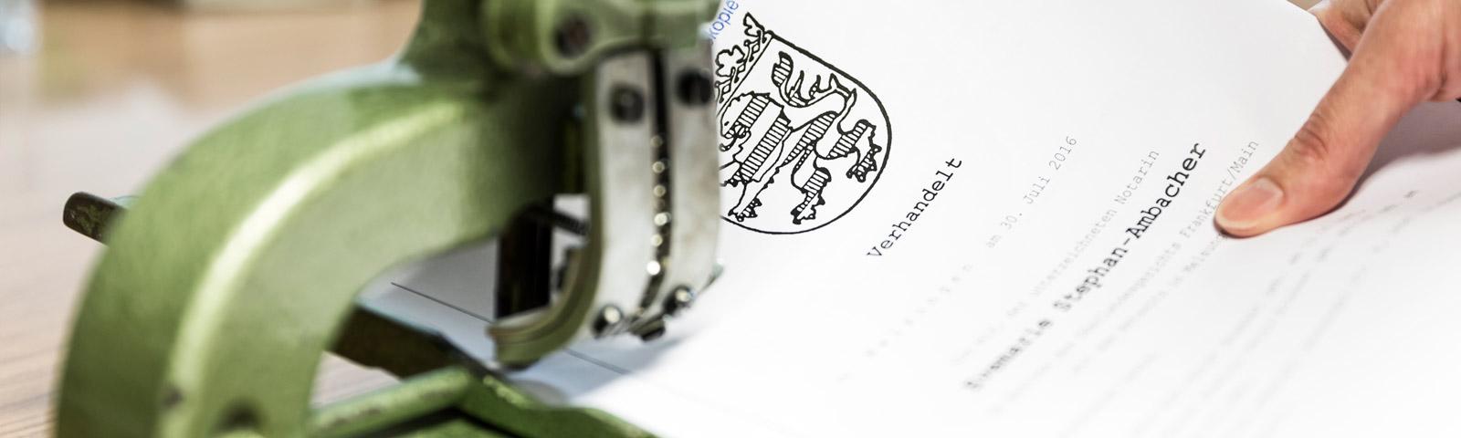 Urkunde mit Hefter - Kanzleihistorie Weigand - Stephan-Ambacher